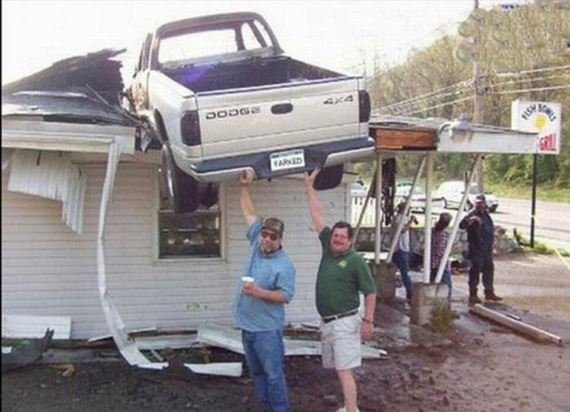 58089571 - Accidentes bizarros de coches