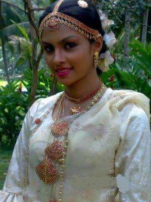 Shalani Tharaka sri in wedding